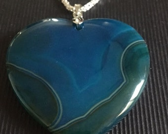 Blue and green agate pendant
