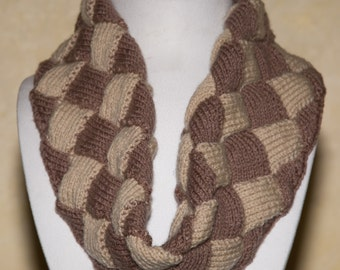 Snood Brown and beige checkered