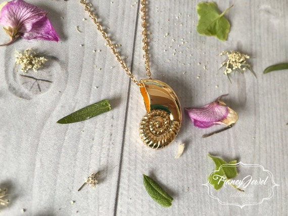 Necklace, shell necklace, gold plated jewelry, shell jewel, beach jewel, nature inspired