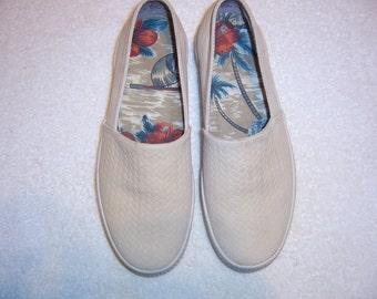 Tommy Bahama Malibu Shoe Slip-ons