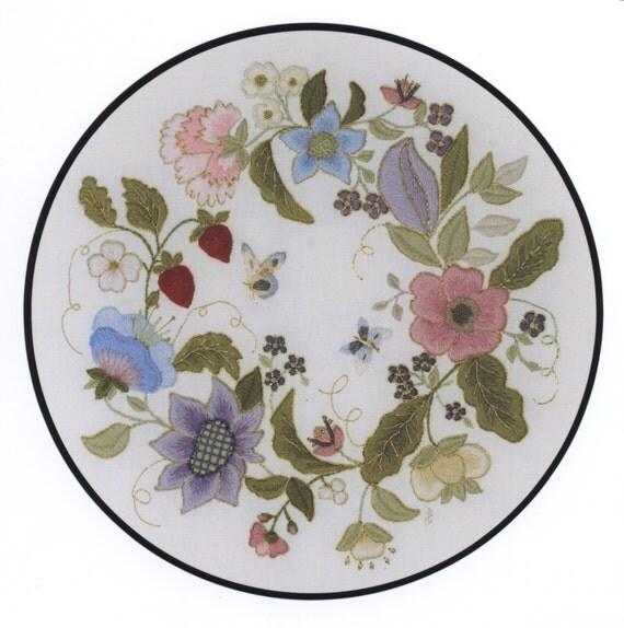 An elizabethan garland crewel embroidery kit
