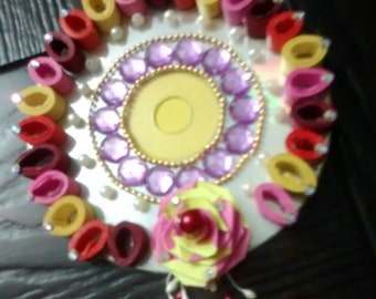 Paper quilling candle holder