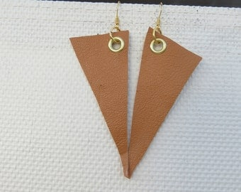 Loop triangle leather