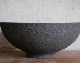 Black stoneware dish