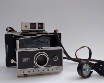 Vintage Polaroid 250 Land Camera