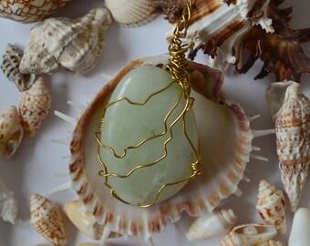 Beautiful aquamarine pendant / / beautiful aquamarine pendant