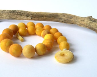 Big Butterscoch Yellow Amber Necklace. Yellow Antique Amber Statement Necklace.Healing Baltic Amber Jewelry.Handmade Genuine Amber Jewelry