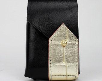 Cigarette in black leather and croco case