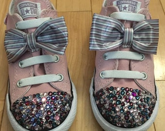 Bows and Butterfly Cons