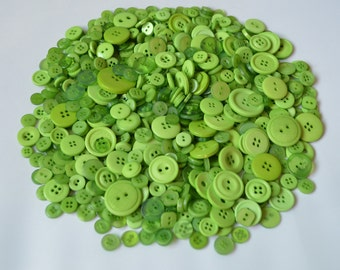 LIGHT GREEN - Plastic Buttons / Assorted Buttons - 50g, 100g, 300g, 500g.
