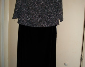 Women's Vintage Black Velvet/Silver Metallic Long Dress Size 14