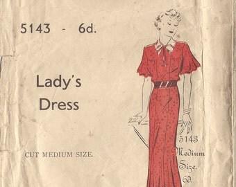 "1930s Vintage Sewing Pattern DRESS B36"" (126)"