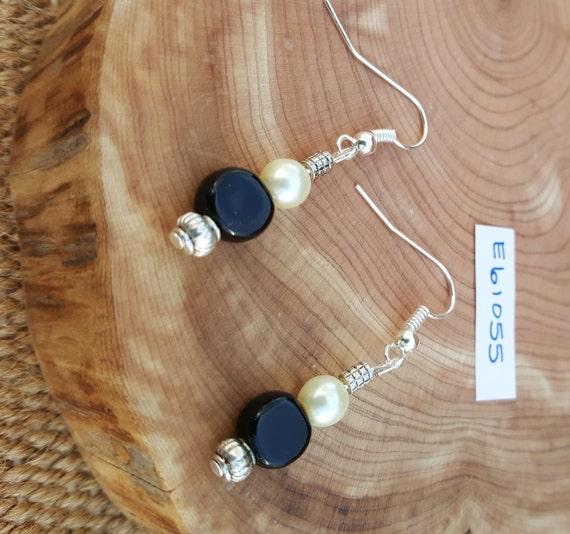 Black White Earrings / Pearl and Black Earrings / Pearl Earrings / Dangle Earrings / Hippie Earrings / Boho Jewelry /E61055