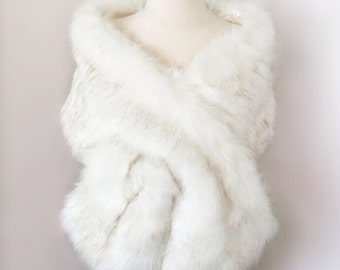 Ivory faux fur bridal wrap, Wedding Fur shrug, White Fur Wrap, Bridal Faux Fur Stole Fur Shawl Cape, wedding faux fur wrap