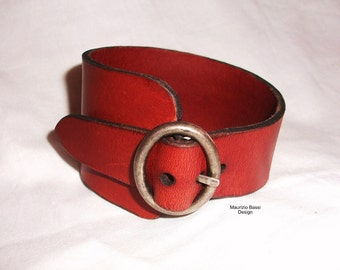 Bracelet in genuine leather