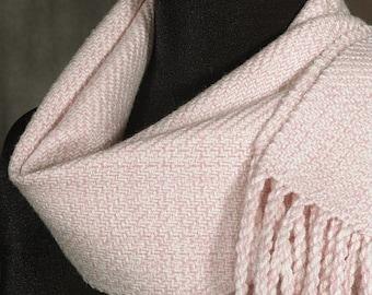 Handwoven merino wool scarf / winter scarf / light rose
