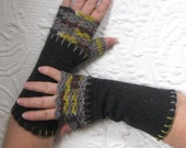 grey fingerless gloves . Fingerless Gloves . made from recycled Sweaters 306