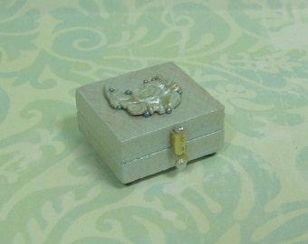 Dollhouse Miniature Pearl Blue Jewelry/Trinket Box