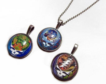Lot of 3 - Grateful Dead Steal Your Face Pendants Group 4 -  1 Inch Circle Glass Photo Pendant with 24 inch Ball Chain Necklace