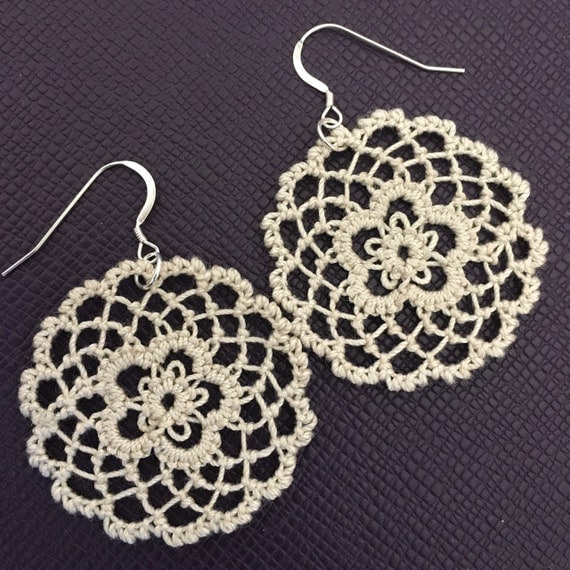 https://www.etsy.com/listing/294350839/fusion-lace-earrings-daisies-tatting-and?