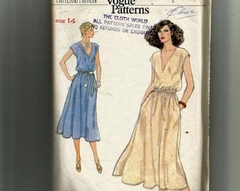 Vogue Misses' Dress  Pattern 7100