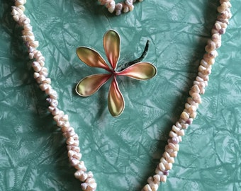 Vintage Irridescent Shell Lei Necklace. 35 inches
