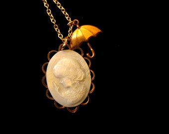 Me and My Umbrella Necklace - Mother of Pearl