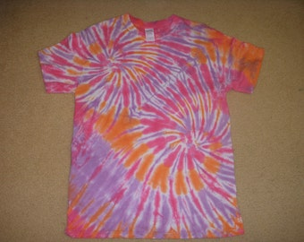 M tie dye tee shirt, pink double swirl, medium