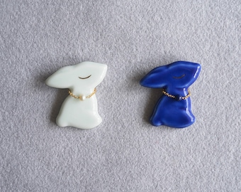 Ceramic bunny brooch with chain ring, Ceramic brooch Easter bunny brooch Bunny brooch Woodland brooch Rabbit Stackable chain rings -boohua