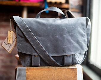 Messenger no.2 - in Gray waxed canvas