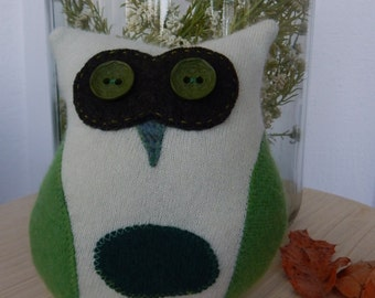 Recycled Cashmere Owl Tooth Fairy Pillow -   Green