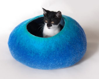 Cat Nap Cocoon / Cave / Bed / House / Vessel - Hand Felted Wool - Crisp Contemporary Design - READY TO SHIP Teal to Blue Bubble