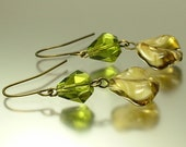 Vintage/ estate jewelry retro bronze finish earrings made from old dark green marbled glass beads - upcycled jewellery
