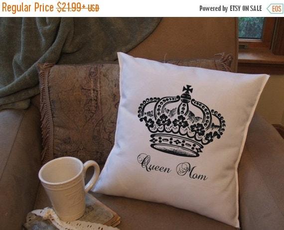 queen mom pillow cover graphic throw pillow by MinnieandMaude