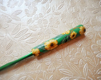 Crochet Hook, Floral Covered Crochet Hook, Bates, Size K