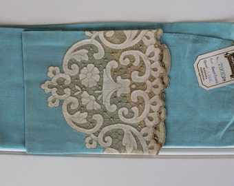 Vintage Linen Towel - Madeira - Blue - Lovely Cottage Style - Rare - New with Tags