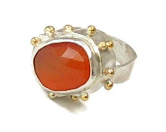 Stunning Statement Ring with Rose Cut Carnelian and 18 k Gold, 3 D Ring,3 Dimensional,Cocktail Ring, Oval Ring, Circle Ring