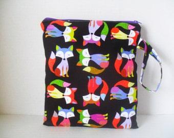 Wet Bag - Fox Fabric - Fox Wet Bag - Zipper Closure - Diaper Bag - Wetbag - Cloth Diapers - Waterproof Diaper Bag