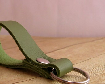 Moss Green Leather Key Ring, Leather Key Chain, Unisex Key Fob, Handmade Keychain, Purse Accessories, Olive Green Leather Keyring