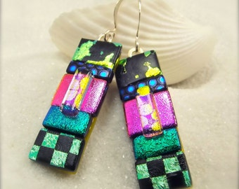 Handmade striped earrings, dichroic glass earrings, green dichroic glass earrings, modern jewelry, modern jewelry, original design, fusion