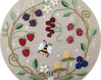 Fruit Wreath Crewel Embroidery Pattern and Kit