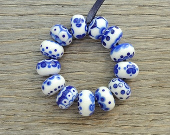 Delftish, small roundelles - Lampwork beads by Loupiac