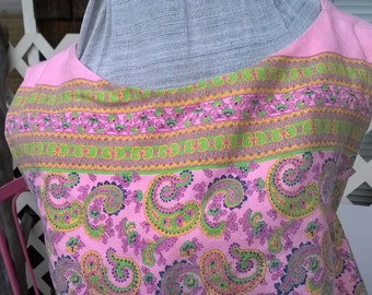 60s Homemade Shift , pink and green Paisley, Cotton Broadcloth, fully lined, sz 36 37 bust ladies Medium, Bubblegum Pink very Cute colors