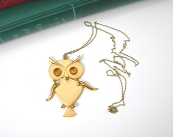 ART Owl Pendant Necklace, Vintage c1960, Cream-yellow Enamel, Goldtone Metal, Golden Cabochon Eyes, Costume Jewelry, Bird Figural, Retro Mod