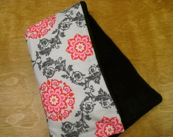 Therapy Rice Bag, Microwave Heat Pack, Rice Heating Pack, Therapy Sack. Pink Wallpaper with Black  Fleece, Washable Cover