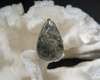 Beautiful Green Moss Agate Ring Size 8.75