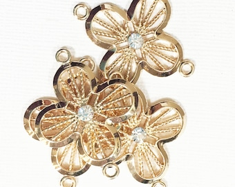 2 pcs of Gold  flower connector 31x39mm, Gold flower connector, Gold flower links