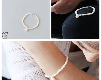 White Fresh Water Pearl and Sterling Silver Bracelet (B66)