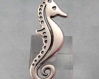 Seahorse Pendant, Antique Silver, AS414