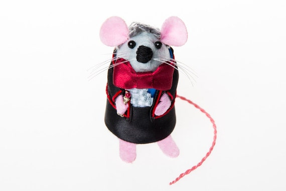 Doctor Who Mouse Jon Pertwee Artisan Ornament - felt mouse rat mice hamster cute gift for dr who fan collector